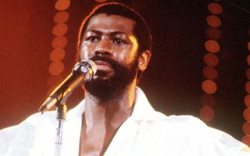 Teddy Pendergrass Turns Out the Lights... with Help