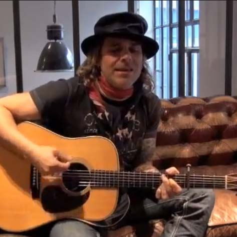 Interview & Performance with Mike Tramp