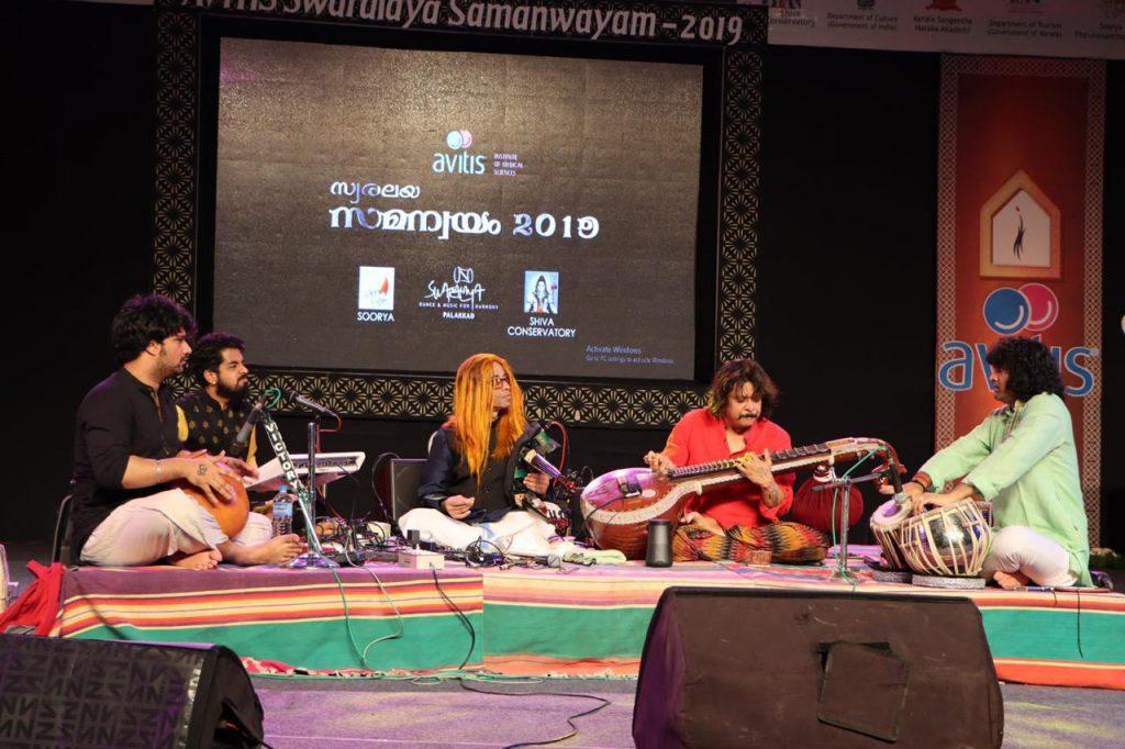 Shenkar w/ Rajhesh Vaidhya - Vaidhya Show at Swaralay Sorya Festival in Palakkad Kerala (Dec 28, 2019)