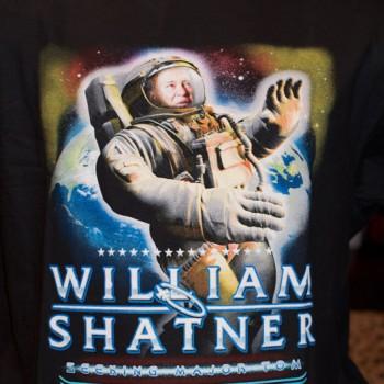 William Shatner - Seeking Major Tom T-Shirt