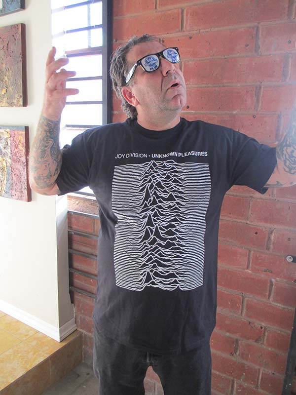 Joy Division - Unknown Pleasures (T-Shirt / Imported)