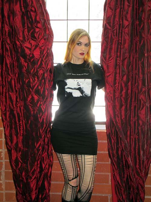 Joy Division - Love Will Tear Us Apart (T-Shirt)