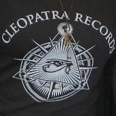 2014 Cleopatra Logo V-Neck (T-Shirt/Woman)