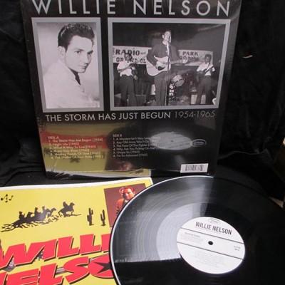 Willie Nelson - The Storm Has Just Begun (LP)